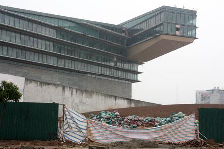 """39 nhà thầu trong nước liêu xiêu vì nguy cơ bị """"xù"""" nợ 44 tỷ đồng 04/12/2012"""